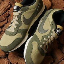 Shoes Nike Md Runner 2 749794 220 Man Running Comfort Footbed Green