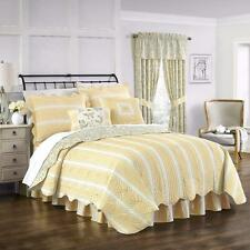 Beautiful Yellow Green Floral Paisley Stripe Reversible Scallop Cotton Quilt Set