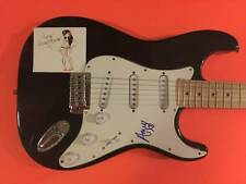 AMY WINEHOUSE AUTOGRAPHED GUITAR SIGNED IN PERSON SEE PHOTO PROOF