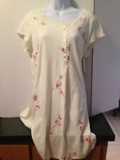 NWT BEAUTIFUL ARIA SHORT NIGHTGOWN IVORY WITH FLOWERS, RETAIL $58 SIZE MEDIUM
