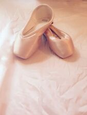 Ballet Pointe Shoe; R-Class Pointe Shoe. Satin toe shoes in all sizes.