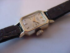 BEAUTIFUL LADIES 14k SOLID GOLD UNIVERSAL GENEVE DRESS WATCH! AWESOME CONDITION!