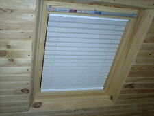 SKYLIGHT PLEATED ROOF BLINDS TO FIT VELUX WINDOWS SIZES - GGL / GHL / GPL 102