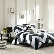 BEAUTIFUL MODERN BLACK WHITE GREY STRIPE SPORT CHEVRON DUVET COVER SET NEW!!