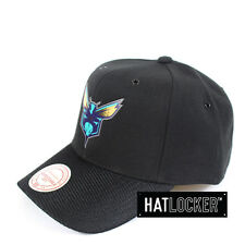 Mitchell & Ness - Charlotte Hornets Carat Curved Snapback