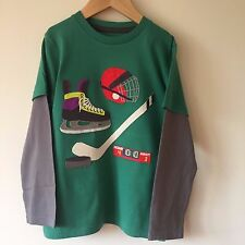 NEW ex Mini Boden Boys Ice Hockey Applique Green Top Age 3 4 5 6 7 8 Years
