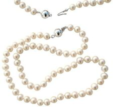 Classic Cultured Freshwater White Pearl necklace