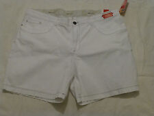 NWT WOMENS LEE COMFORT  WAISTBAND WALK SHORT $48 3787810 WHITE
