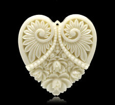 Wholesale DIY Jewelry Flower Heart Charm Resin Pendants 5x4.5cm