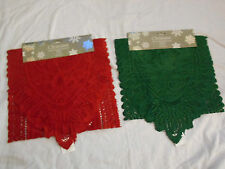 CHRISTMAS  LACE TASSLE RUNNER  RED OR GREEN DINNER TABLE PARTY XMAS 33x137cm