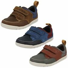 BOYS CLARKS CRAZY JAY VELCRO FASTENING CASUAL LEATHER OUTDOOR TRAINERS SHOES
