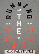 NIKE MEN RUNNING THE HUSTLE GREY BLACK SOLAR RED RUNNING SHIRT 776634 063 MEDIUM