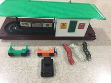 Lionel Trains #356 Operating Freight Station with Accessories