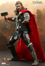 Hot Toys MARVEL THOR: The Dark World - THOR 1/6TH Scale Collectible Figure MMS22