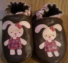 EUC Girls Robeez Leather Shoes SZ 0 to 6 months OR 6 to 12 months Adorable