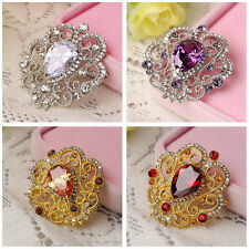 Exquisite Alloy with Rhinestone Inlaid Charming Flower Bouquet Brooch Pin XC