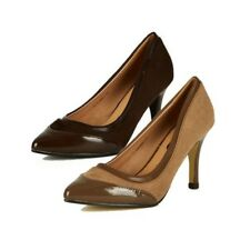 Womens pointed toe court shoes with patent toe cap and leather inner