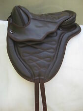 "All Purpose Treeless Synthetic Saddle Black Brown 16"" & 17""+ girth + leathers"