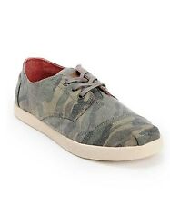 NEW IN BOX MENS 8 & 8 .5 TOMS PASEOS CAMO CANVAS SHOES NIB