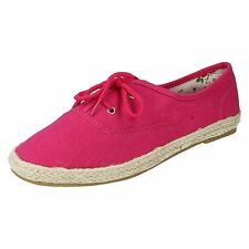 LADIES SPOT ON FLAT LACE UP ROUND TOE SUMMER CASUAL EVERYDAY CANVAS PUMPS F8927