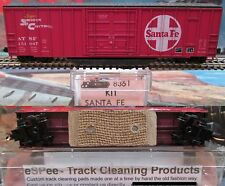 eSPee™ TRACK CLEANING BOX CAR - Roundhouse - ATSF / Santa Fe - N Scale MTL