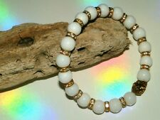 8mm WHITE JADE GEMSTONE BEADED GOLD STRETCH CHARM BRACELETS MIXED SIZES & CHARMS
