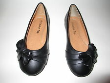 NEW GIRLS BLACK SHOES SIZE: 9-4 SMART BOW MAN MADE LEATHER COMFY SOLE INNER SOLE