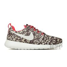 Nike Roshe Run Print (Light Orwood Brown/Sail/Hyper Punch) Women's Shoes