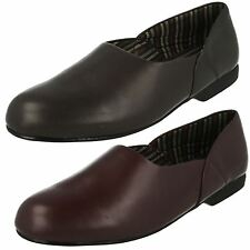 "Clarks ""King Ross"" Mens Leather G Width Fitting Slippers"