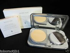 Mary Kay Foundation Dual Coverage Ivory Beige w/compact & brush Full Size Cream