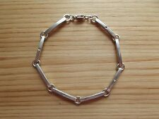 Linear Bracelet with Crystal Accent: 925 Silver