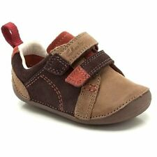 CLARKS Tiny Soft Cruising First Shoes in Brown Combi Colour UK Infant 2 H - BNIB