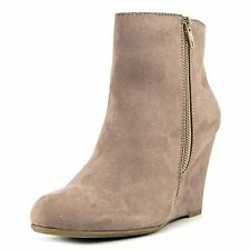 Report Womens RUSSI Fabric Closed Toe Ankle Platform Boots