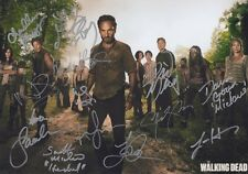 THE WALKING DEAD  fully  SIGNED  Autographed Photo (898)