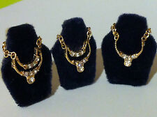 DOLLS HOUSE VICTORIAN  JEWELRY  NECKLASS ON STAND DRESSING TABLE.SHOP