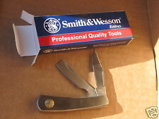 Brand: Smith & Wesson folding knife/razor