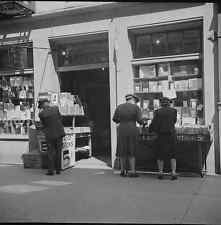 Photo 1943 New Orleans, Louisiana. Book shop street United States