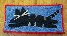 KITTY CAT  Primitive Rug Hooking Kit with cut wool strips on monks cloth