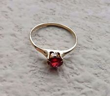 Vintage SOLID 10K YELLOW GOLD Unknown Red Stone Designer Ring (SIZE: 7) - L@@K!