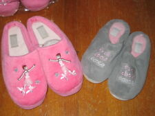 New Body Wrappers youth furry slippers choice of 2 styles Pink or Gray 13/1- 4/5
