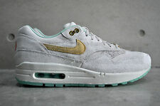 Nike Womens Air Max 1 Year of the Horse (YOTH) QS - Lght Bn/Mtlc Gld-Artc Grn-Cn