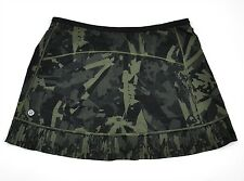 NWT Lululemon City Sky Run By Skirt Sz 4 Pop Cut Fatigue Green Camo Black NEW
