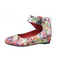 New Laz Japan  Woman's Flat Stylish Shoe With A Wedge Heel Select Size