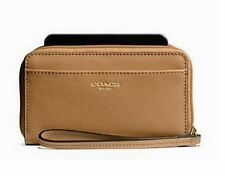 NWT COACH 64976 ZIP WRISTLET UNIVERSAL PHONE CASE in Toffee Retail $68