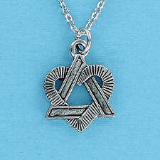 Star of David with Heart Necklace - Pewter Charm on Chain Jewish Judaica NEW