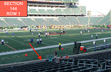 4 Front row Chicago Bears at Cincinnati Bengals tickets in section 144 row 1
