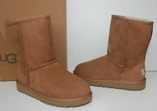 Ugg Youth Classic Short Chestnut boots - Big Kids- New in Box!