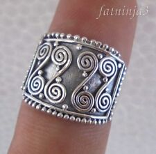 Solid Silver, 925 Traditional Carved Balinese Design Ring 36701