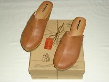 """NEW""""MAKALU-California""""Womens Floral Stamped/Studded Clogs in Cognac/Many sz's!!"""