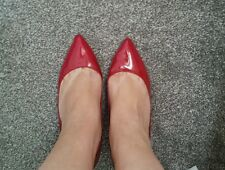Well worn fushia patent kitten heels size 7